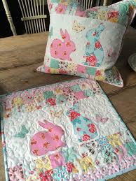 ez print bunny applique pillow and mini quilt therm o web