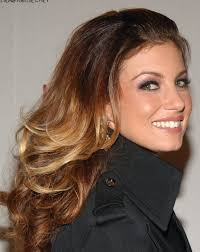 trisha yearwood short shaggy hairstyle love the new ombre color everyone is sporting also check out