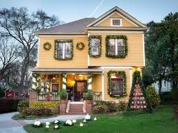 Christmas Decorating Home by 19 Outdoor Christmas Decorating Ideas Hgtv Simple Exterior Home