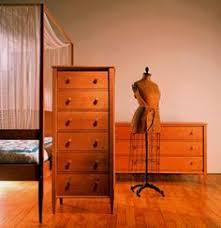 Shaker Bedroom Furniture by Modern Shaker Bedroom Furniture Set Shown In Natural Cherry Wood