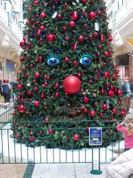 singing christmas tree with eyes kidspert shouldnut days off be