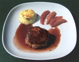 comment cuisiner du cerf pavés de cerf sauce et poires au vin ma cuisine santé