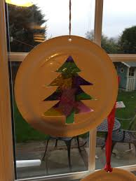 how to make a paper plate christmas tree