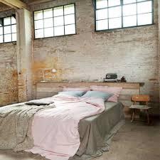 chambre style industriel chambre style industriel en 36 ides de chic brut authentique en ce