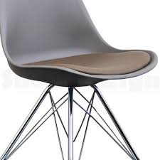 chaise eames grise chaise eames eiffel trendy eames chaises simple chaise eames eiffel