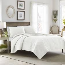 Types Of Bed Frames by The 6 Best Types Of Bedding For Platform Beds Overstock Com