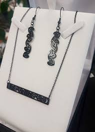 earring chain necklace images Black kowhaiwhai bar chain necklace earring set bar chain jpg
