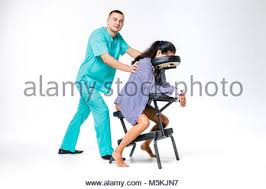 sexe au bureau thème et bureau homme en costume bleu thérapeute