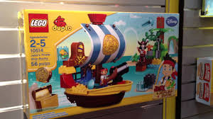ny toy fair 2013 jake neverland pirates lego duplo