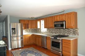 wall colors for kitchens with oak cabinets kitchens with oak cabinets honey oak kitchen cabinets by cabinets to