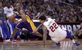 Kobe Matt Barnes Clippers Get First Season Series Sweep Over Lakers Latimes