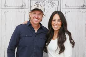 chip gaines net worth chip and joanna gaines net worth fixer upper apartment therapy