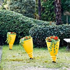 santavase outdoor pot by serralunga can a pot sprout directly