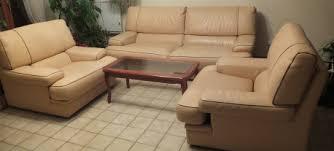 canape cuir vachette canapé cuir vachette et deux fauteuils assortis les vieilles choses