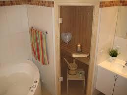 badezimmer mit sauna und whirlpool ferienwohnung in großenbrode objekt 8229 ab 45