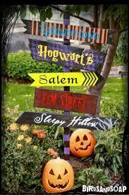 Building Outdoor Halloween Decorations by Best 25 Outdoor Halloween Decorations Ideas On Pinterest Diy