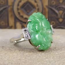 art deco jade ring with diamond shoulders in platinum 18 carat