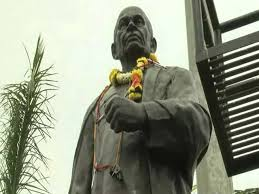 statue with sardar patel statue news photos on sardar patel
