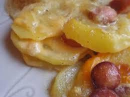 cuisiner des saucisses de strasbourg gratin de pommes de terre aux saucisses de strasbourg et cheddar