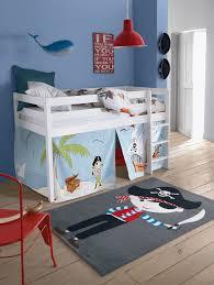 chambre pirate gar n deco chambre pirate tapis garcon stickers theme decoration idee