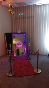 selfie mirror photobooth hire