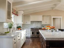 vaulted kitchen ceiling ideas way to use space above cabinets kitchen photos cathedral ceiling
