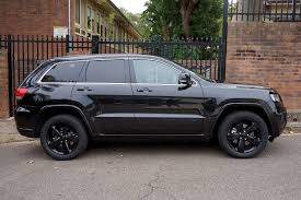 jeep cherokee black 2015 jeep grand cherokee blackhawk motive dvd