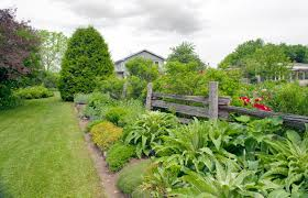 28 split rail fence ideas for acreages and homes