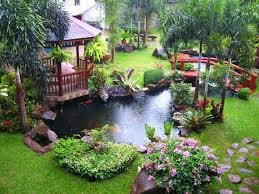 Pond Ideas For Small Gardens by House Garden Design With Water Fountain And Small Fish Pond Ideas