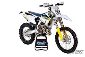 dirt bike shoes dirt bike magazine husky te125 2 stroke