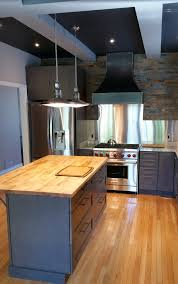 cuisine petit espace ikea meuble cuisine petit espace un rangement suspendu pour gagner de