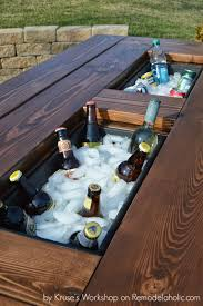 remodelaholic 9 cool wood projects november link party 10 genius diy outdoor projects designer trapped in a lawyer s body