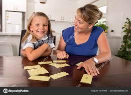 jeux de fille de 6 ans cuisine douce et heureuse 6 ans fille d apprentissage lecture avec