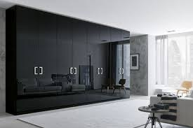 schlafzimmer kleiderschrank schwarzer kleiderschrank verleiht dem schlafzimmer eine männliche note