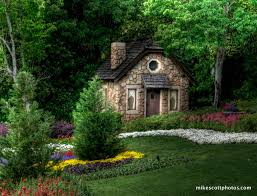 who u0027s your celebrity boyfriend garden cottage tiny houses and