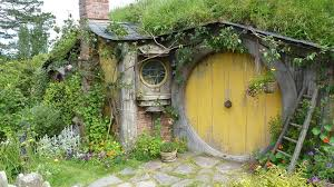 real hobbit house how to build a hobbit house building process and house equipping