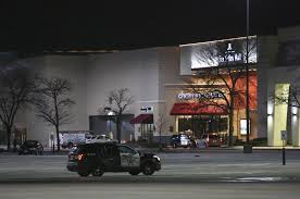 city of aurora il halloween hours malls debate teen policies after rash of christmas weekend fights