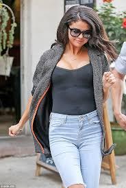 selena gomez goes braless in sheer top as justin bieber ordered to