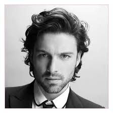 good haircuts for round faces men or best flow hairstyles for