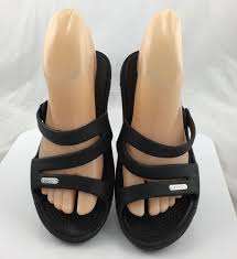 crocs patricia wedge sandals 10386 size 6 black casual slip on