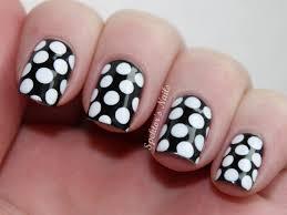 nail art alternating polka dots the daily varnish how to nail art