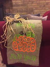 halloween yard flags vinyl on burlap garden flag my vinyl projects pinterest