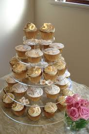 Anniversary Table Centerpieces by Best 20 Golden Anniversary Cake Ideas On Pinterest 50th Wedding