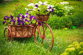 Pretty Flower Garden Ideas Creating A Focal Point In Your Garden Garden Weasel