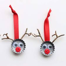 Homemade Christmas Reindeer Decorations by Brilliant Holiday Decor You Can Make In Minutes Diy Joy
