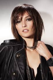 medium length hairstyles for short necks this mid length layered haircut is neck length at its longest