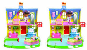 doc mcstuffins playhouse doc mcstuffins clinic playhouse 30 delivered amazon