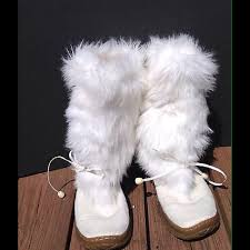 womens fur boots size 9 30 splash shoes sold splash faux fur white winter boots