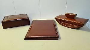 n馗essaire de bureau nécessaire de bureau cuir le tanneur sous porte lettre courrier