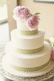 the 25 best ivory small wedding cakes ideas on pinterest pastel